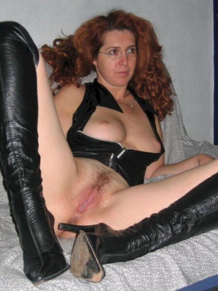 femme coquine dominatrice pour mec qui aime la soumission