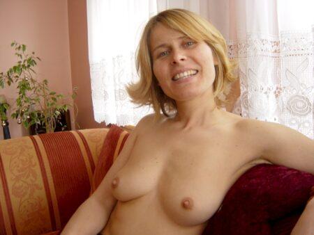 Femme coquine soumise pour homme séduisant