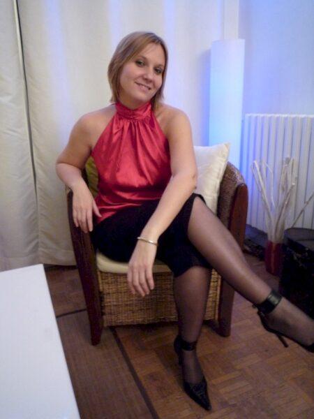 Femme cougar sexy soumise pour libertin sérieux